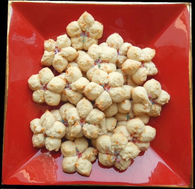SK-cookies-on-plate