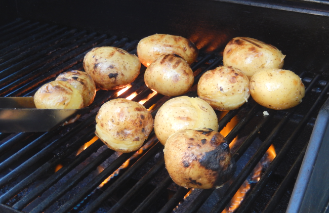 J4D-potato-on-grill